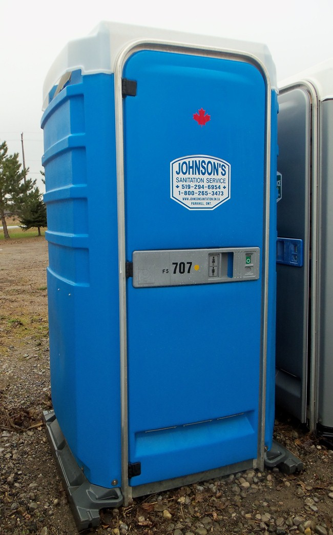 Portable Toilet, Fresh Flush, Sink, Portable toilet, portable washroom, Johnson's Sanitation Service, Sink Rentals, Septic Services, Septic Tank Pumped, Construction, Parties, Special Events, Back Yard Gatherings